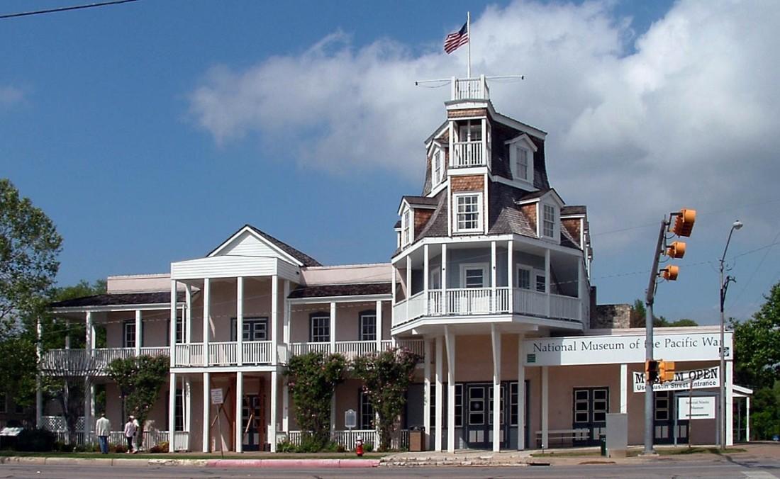Nimitz_Museum,_Fredericksburg,_Texas